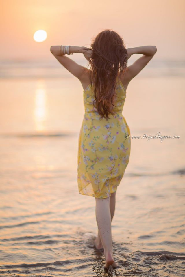 sunset-beach-shot-yellow-floral-dress-picture-clicked-by-brijesh-kapoor-photography